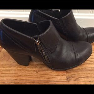 BOC Size 7 1/2 Black Leather Booties